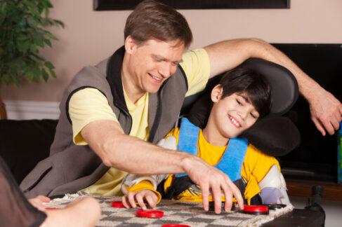 Рекомендации родителям: спортивные иподвижные игры для детей сособенностями здоровья