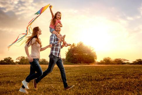 Семь идей, вочто можно поиграть сдетьми насвежем воздухе