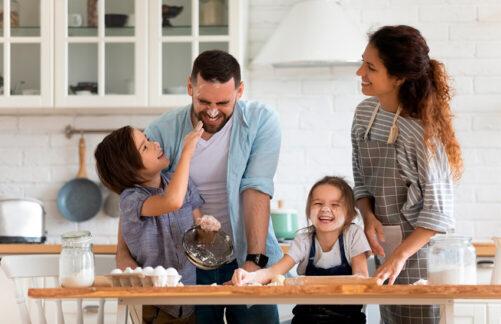 Любить, защищать ихвалить: счастливое детство ребенка— вруках родителей