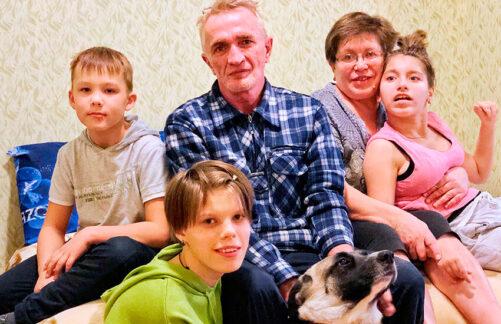 Трое вдоме, несчитая собаки. История большой приемной семьи Обливанцевых
