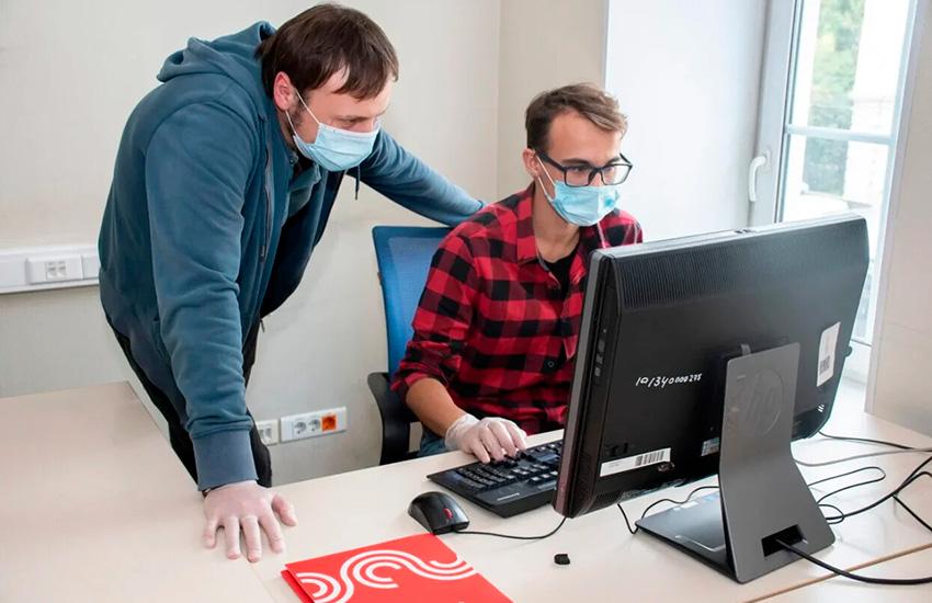 Московские школьники поделились первым опытом стажировок через центр занятости «Моя карьера»